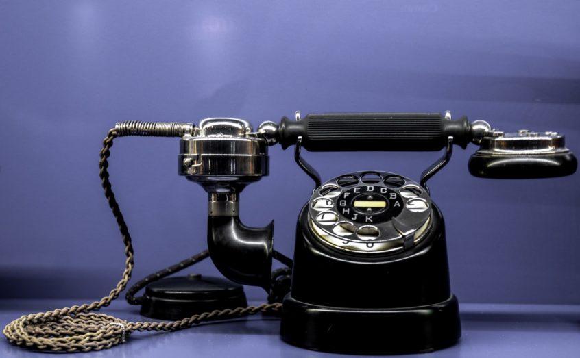 gammel analog telefon