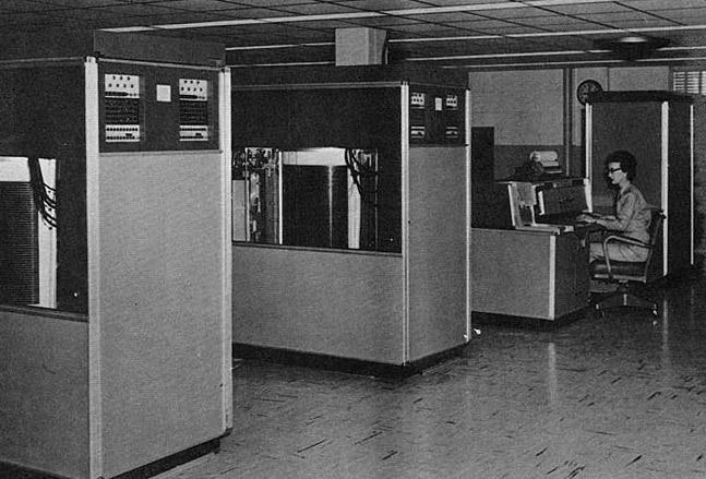 RAMAC, en gammel harddisk på størrelse med et køleskab